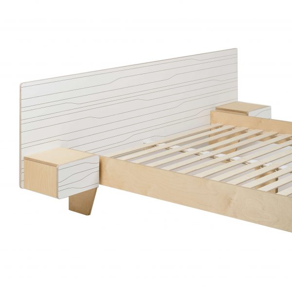 BED MUSTER WITH NIGHTSTANDS