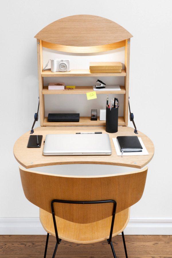 Radius wall desk